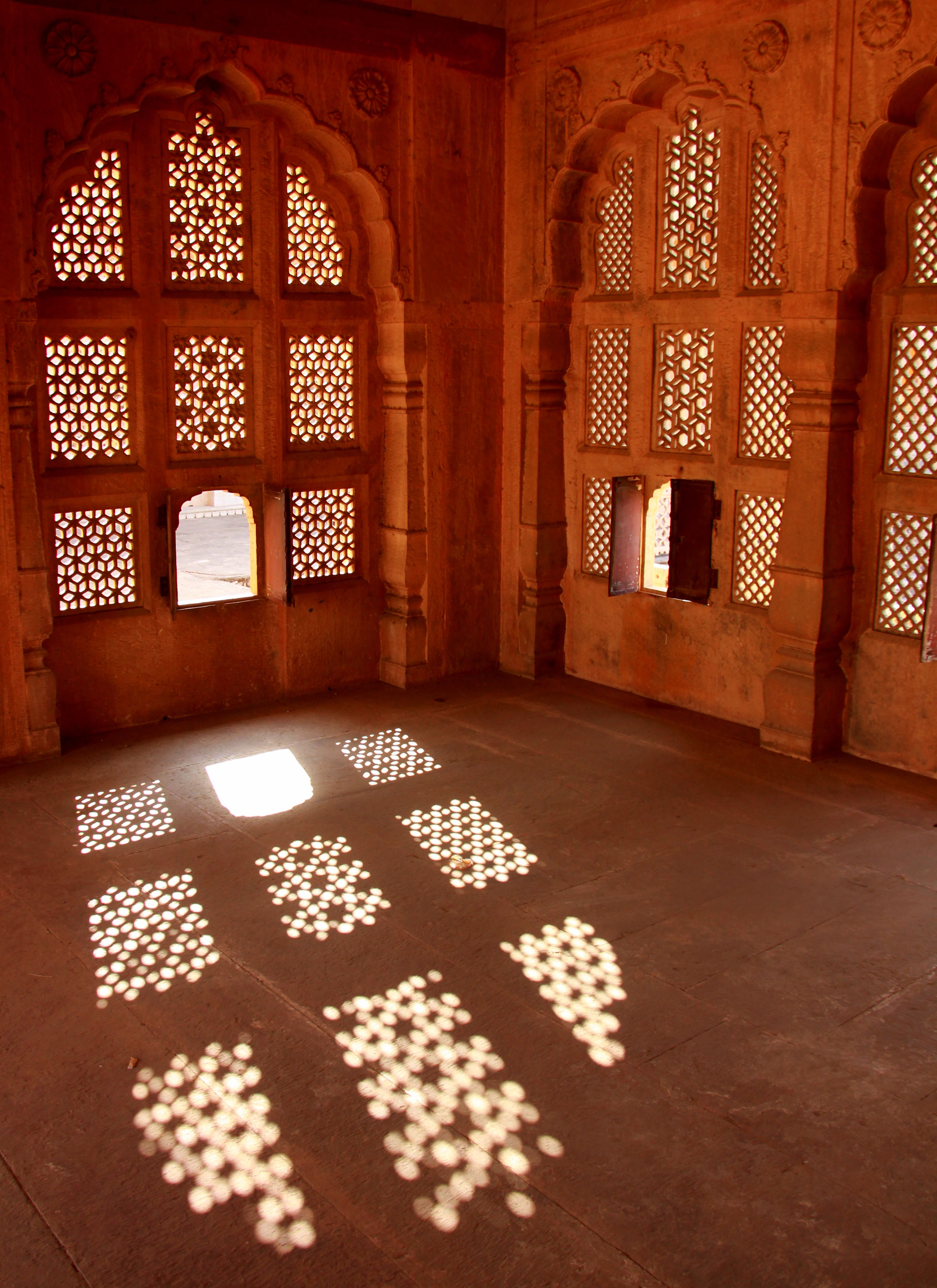 shadows at royal cenotaph in jaipur