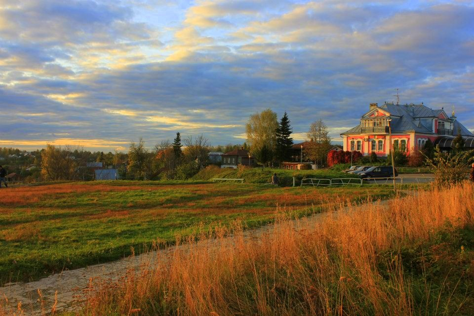 a sunset in vladimir