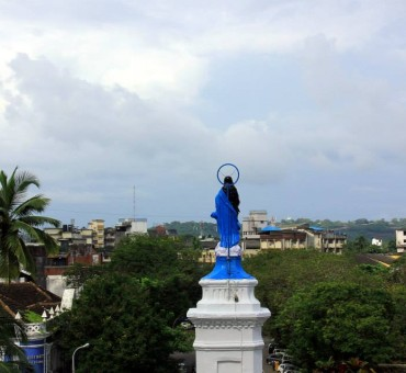 Say a prayer in Old Goa