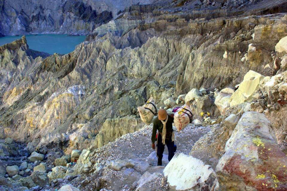 suphur worker at mount ijen in indonesia