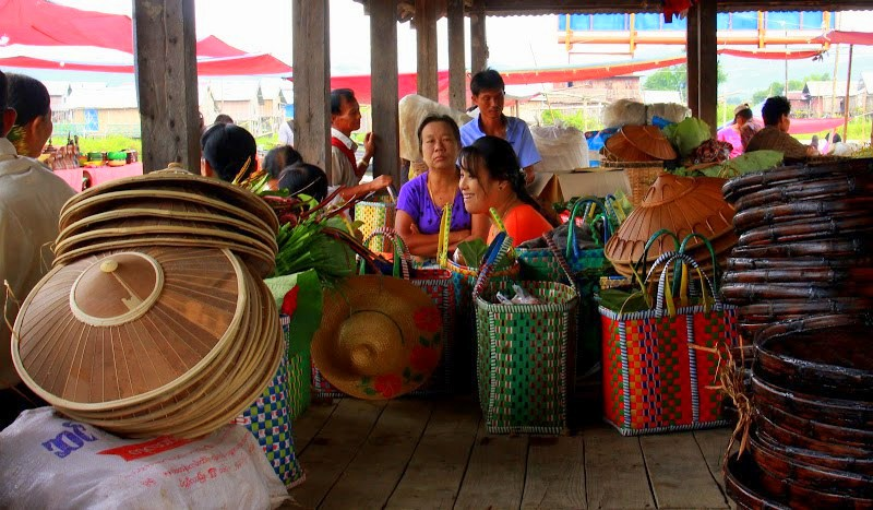 Sellers taking a tea break at Lake Inle weekly markets