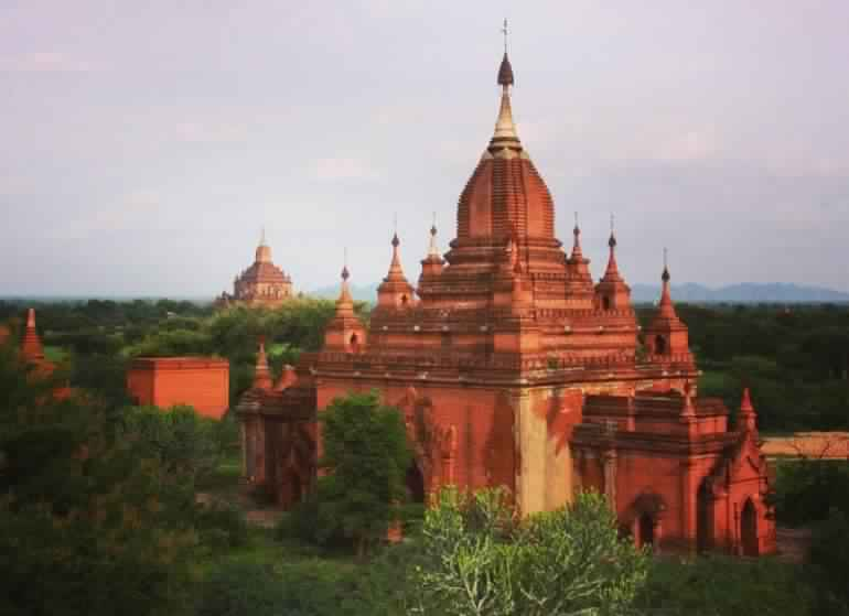 Temples are Bagan Myanmar are gorgeous