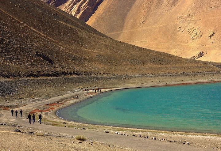 #Ladakh #Travelbloggerindia #Travelblog #ladakhtravelblog #ladakhtourism #solofemaletravelinginladakh