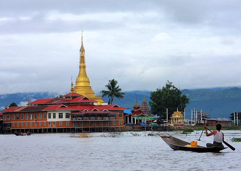 #Myanmar #LakeInle #Inletravelblog #Inleweeklymarket #Travelbloggerindia #Myanmartravelblog #Myanmartourism