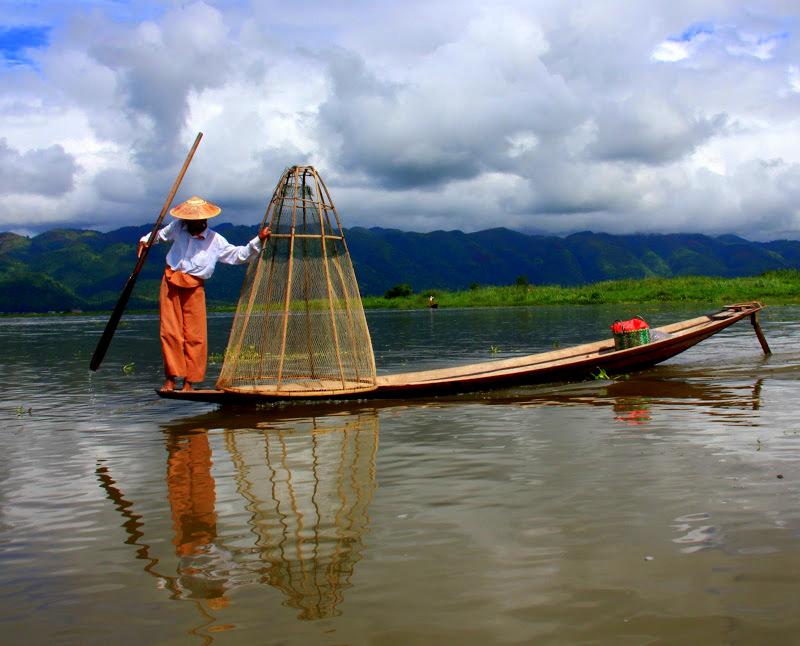 A feet rowing fisherman of lake inle