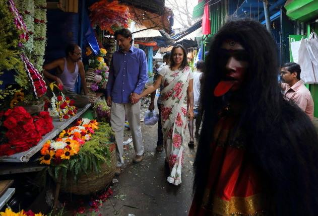 Calcutta market walk