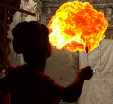 Puppeteers, magicians and fire eaters of Delhi