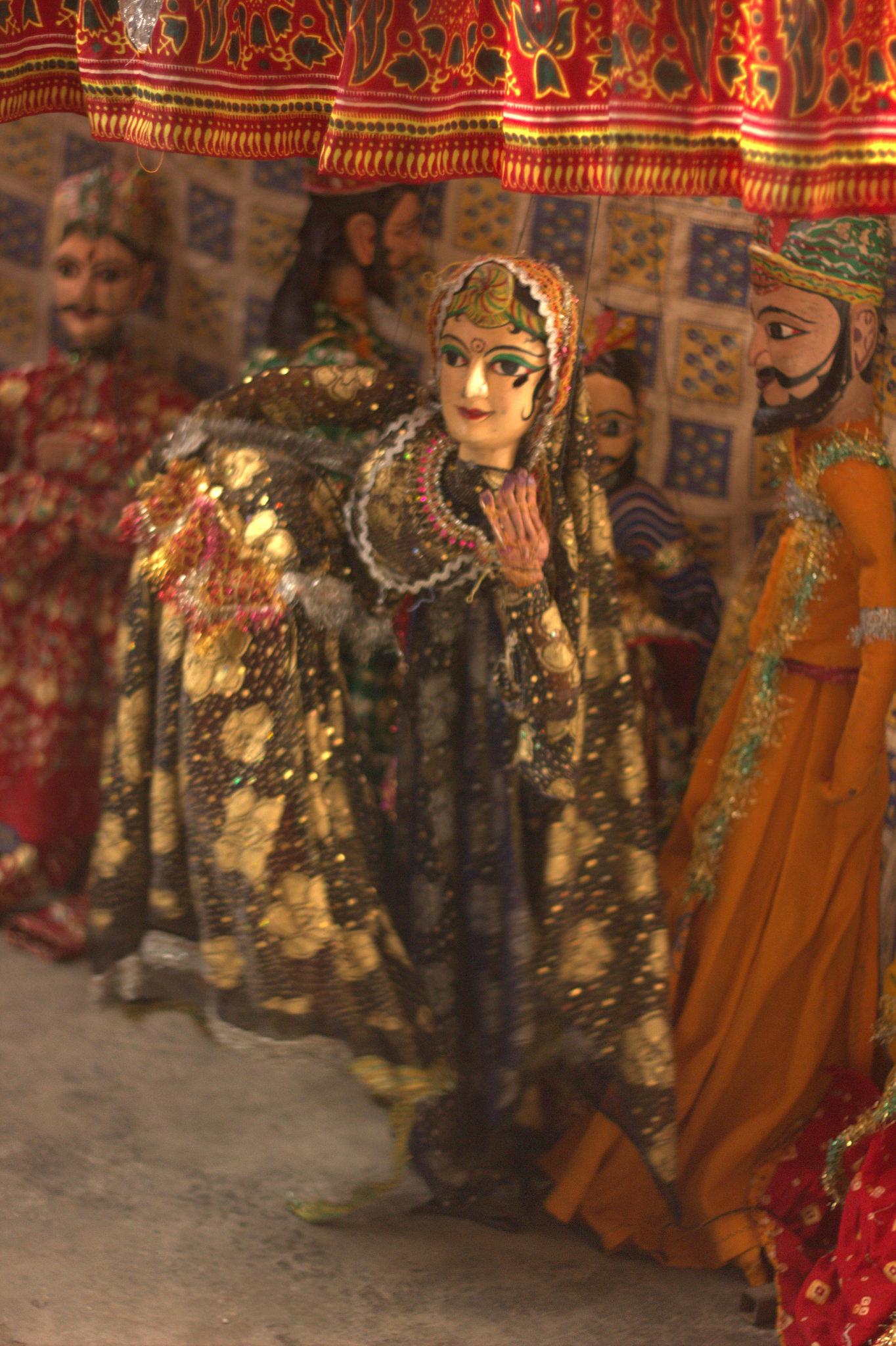 A Rajasthani puppet show in progress at Kathputli Colony