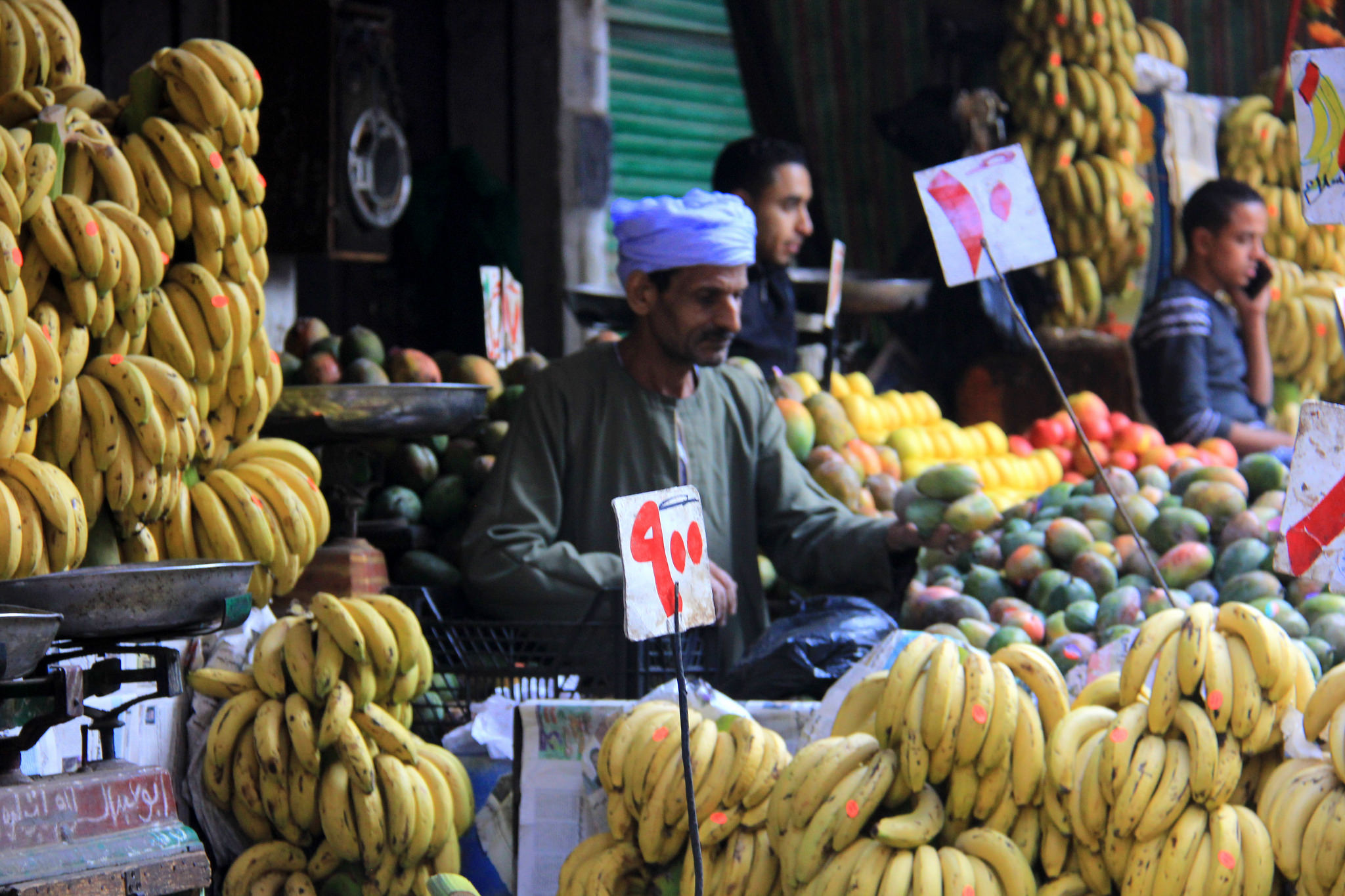 Visit local market in Cairo for cheap buys