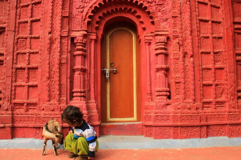 Amadpur, where nostalgia drips as sweet as grandma's home