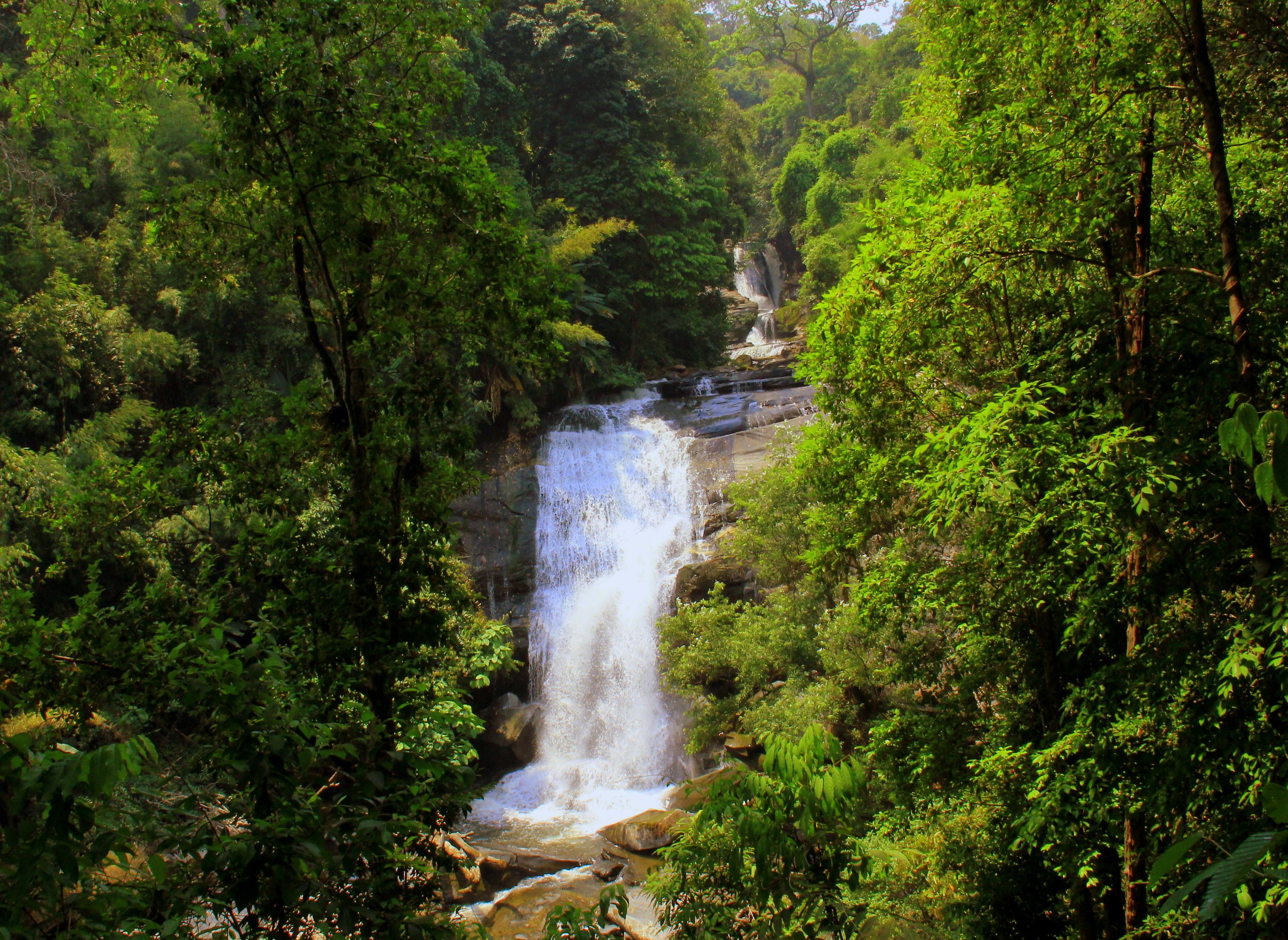 doi inthanon has many waterfalls