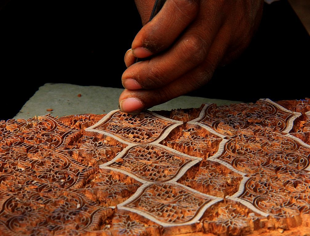 see the intricacy of fashion during jaipur handicrafts tour