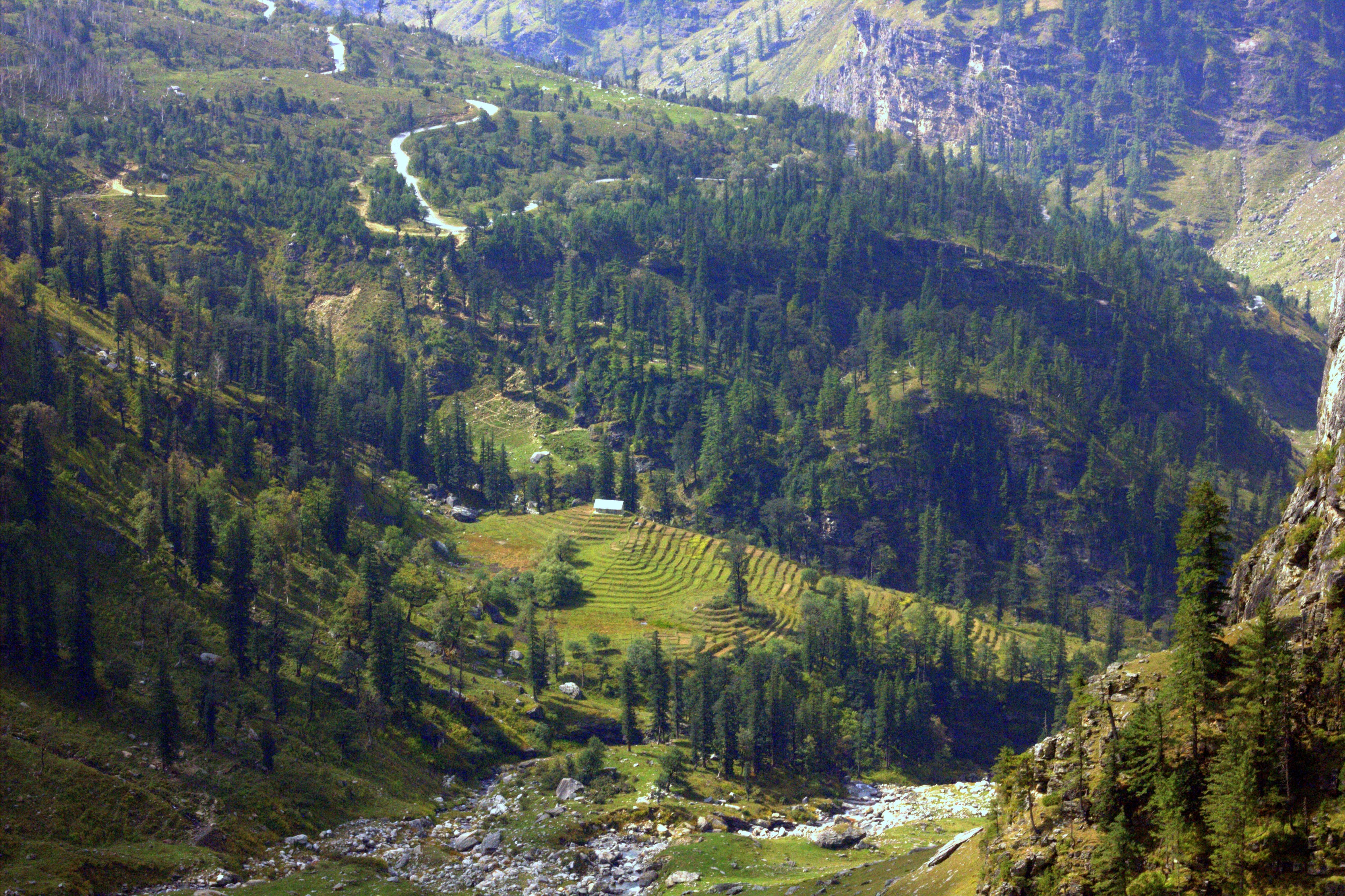 paragliding views of offbeat manali