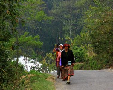 women walking home in Kalimpong