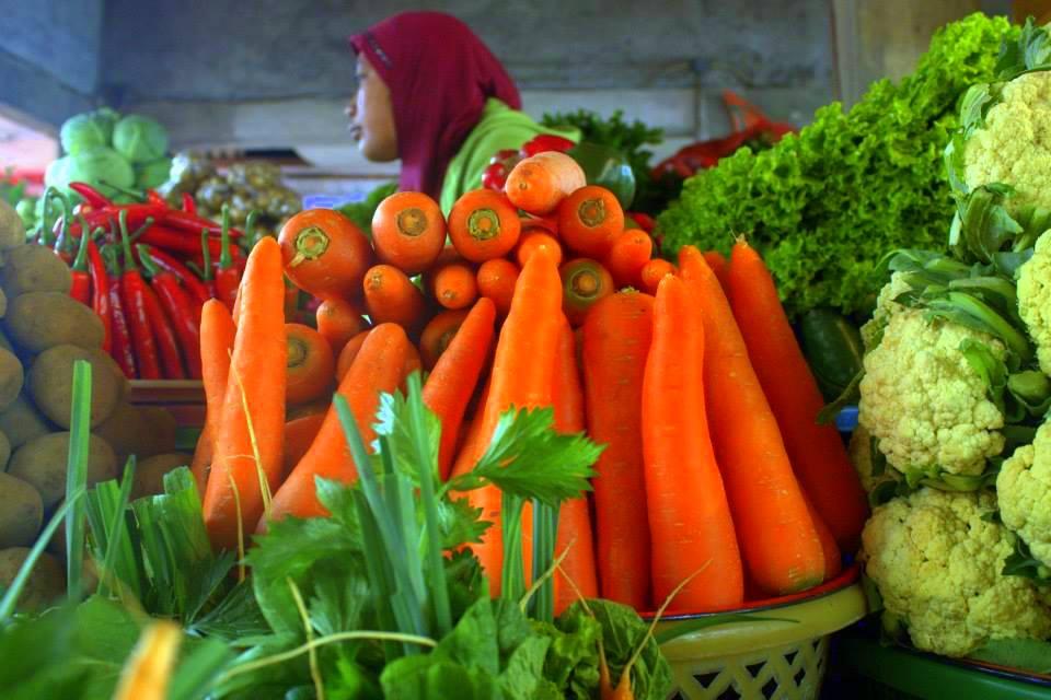 Candikuning village market in bedugul