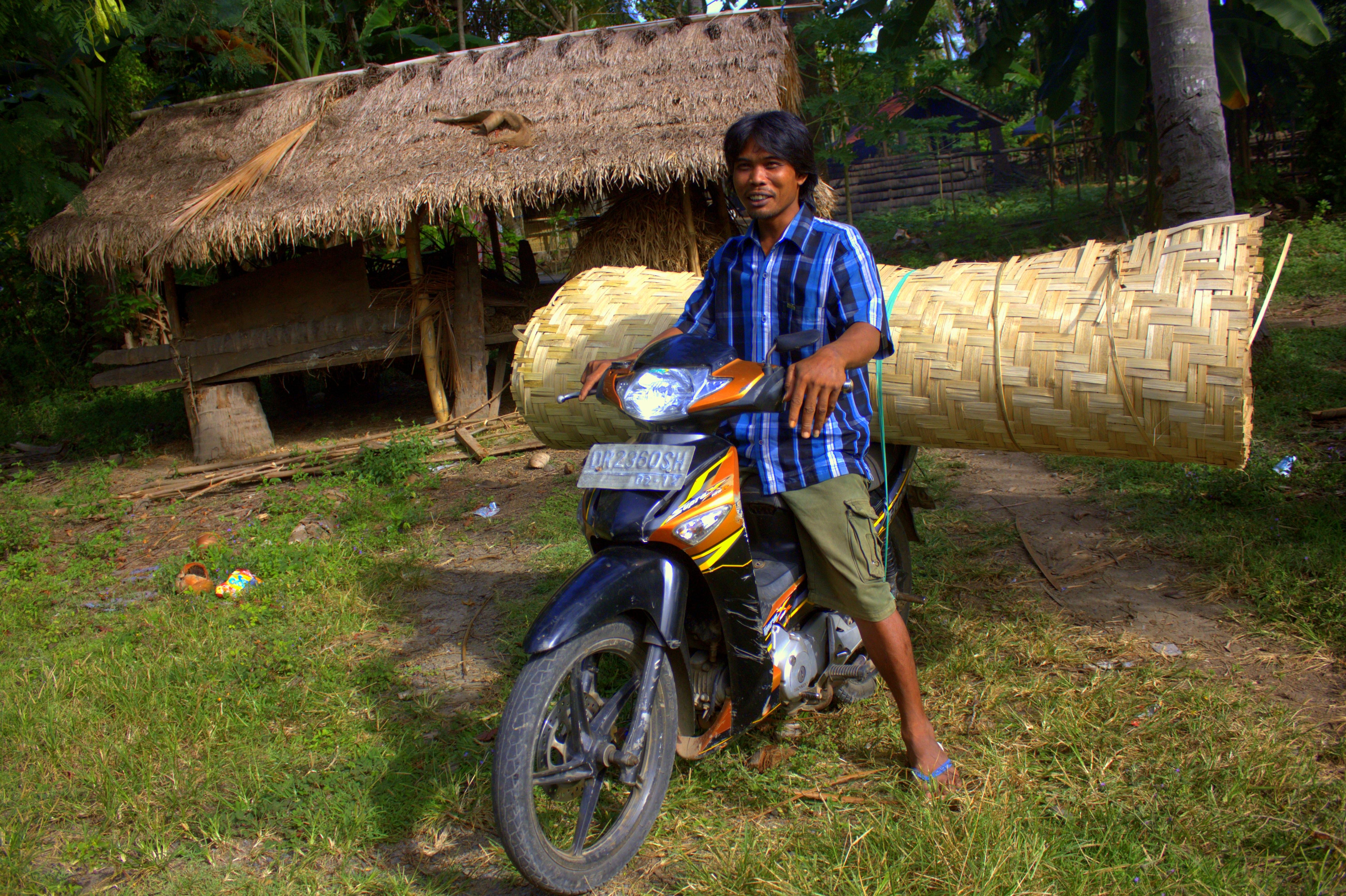 a lombok local Sasak man
