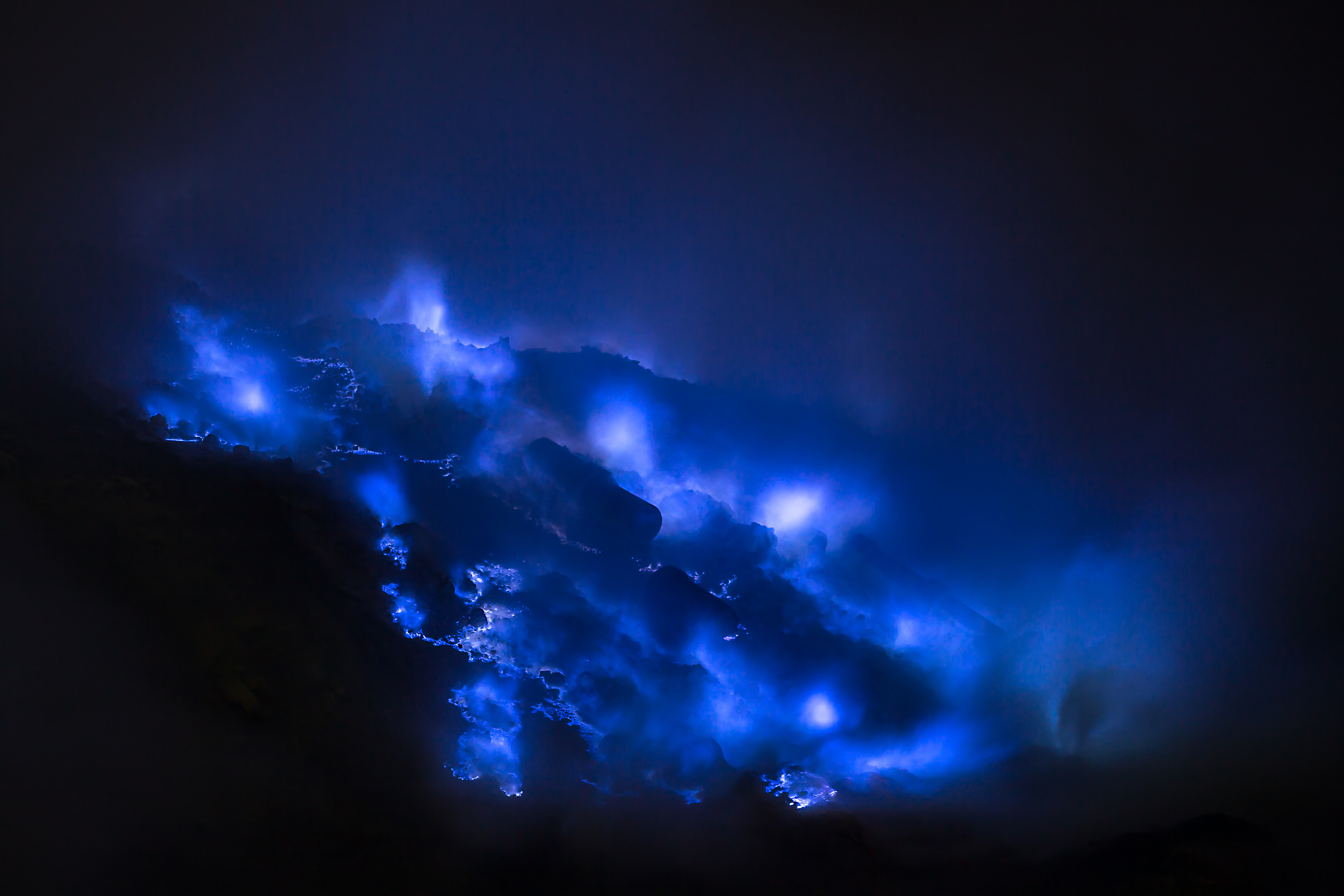 blue fire of ijen plateau