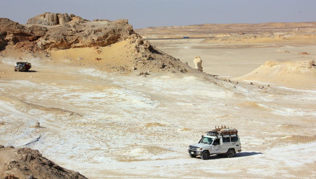 4WD drive on the White Desert trip