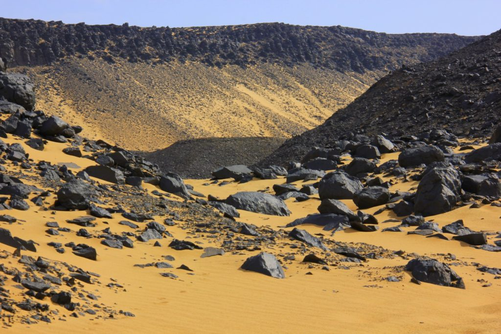 The gorges of the Black Desert