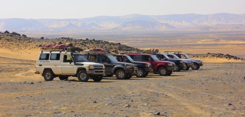 The 4WD transfers for the White Desert trip