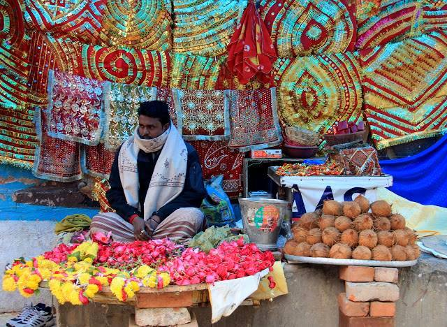 religious paraphanelia seller in Varanasi