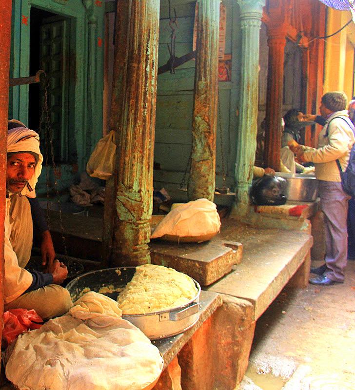 Varanasi mawa seller
