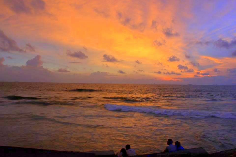 galle seaface sunset in colombo