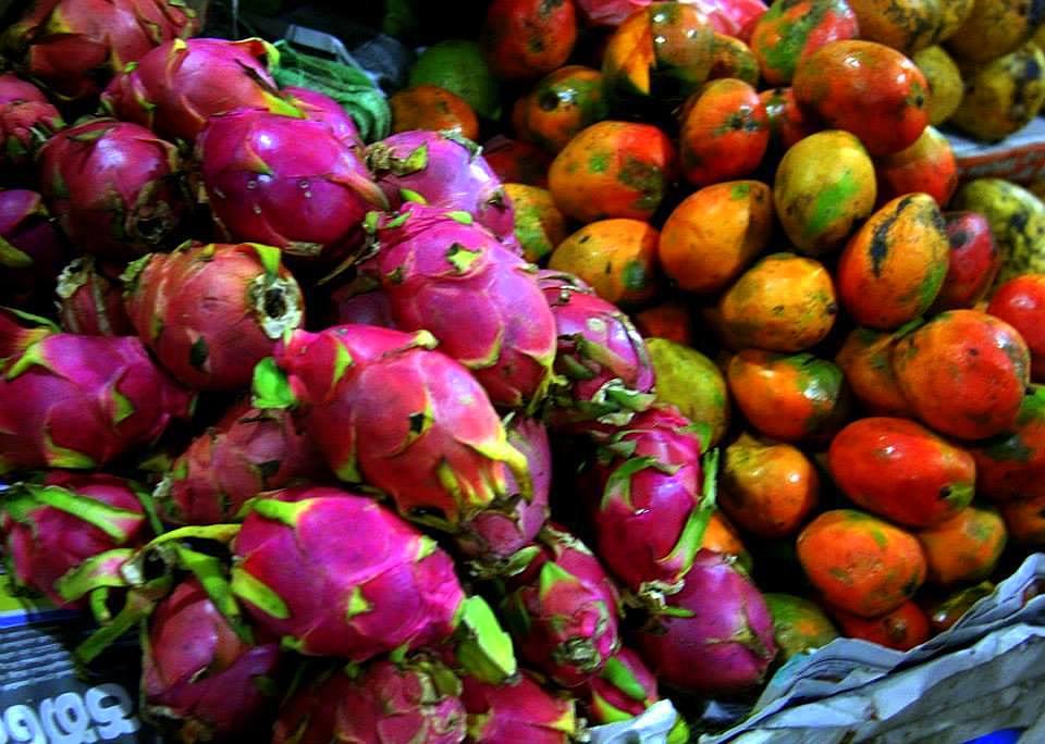 The photogenic beauty of Kollupitiya Market