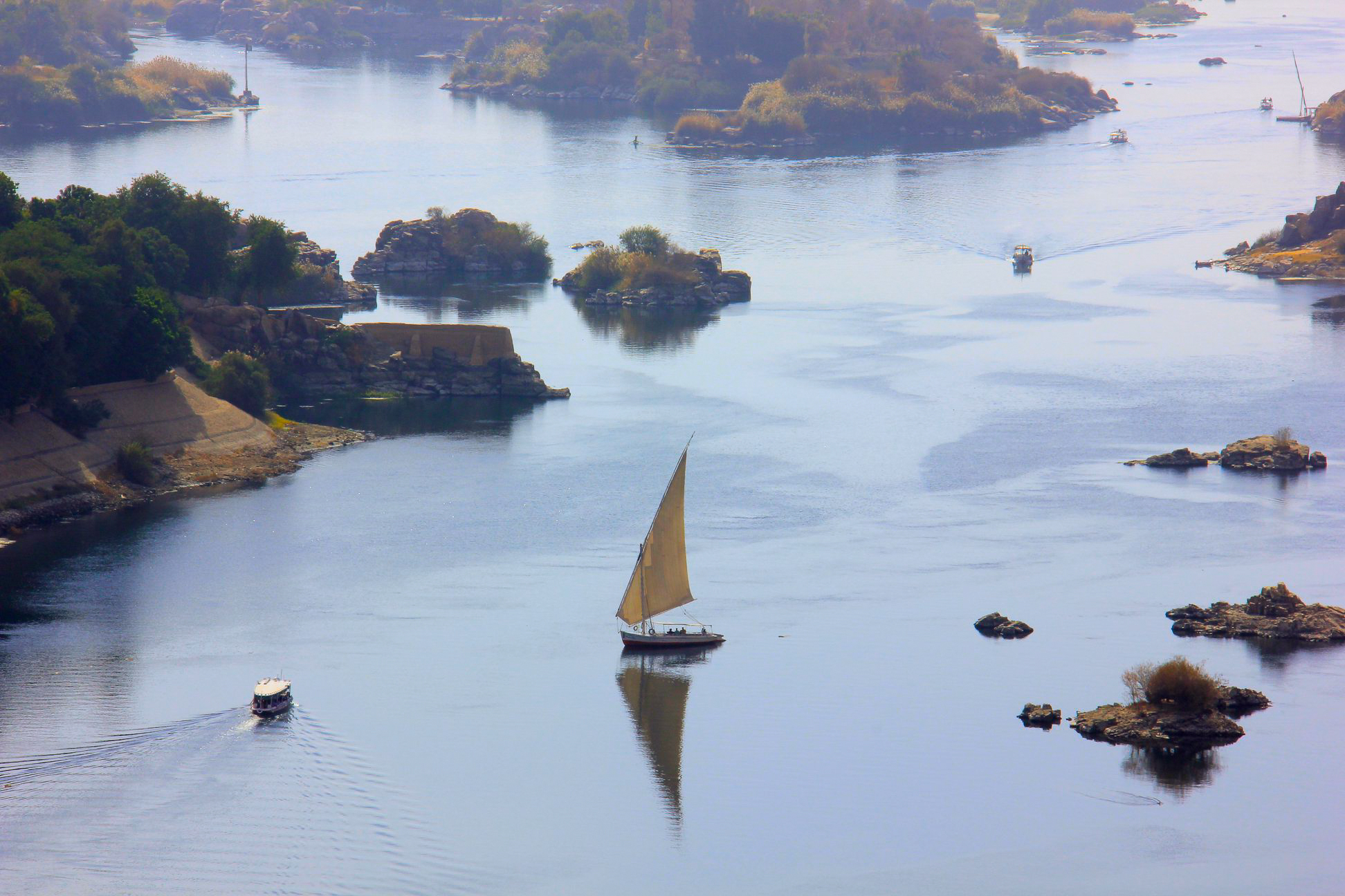 a nile cruise view from aswan